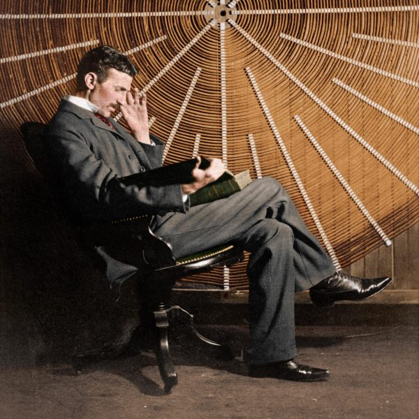 Foto de Nikola Tesla, Biografía