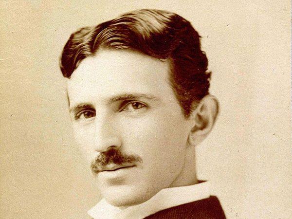 Foto de Nikola Tesla, mejores libros